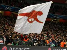 I tifosi dell'Arsenal usano il cielo per mandare un messaggio a Wenger